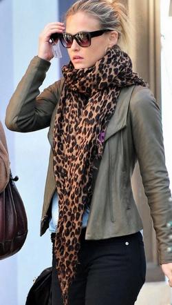scarf_leopardx